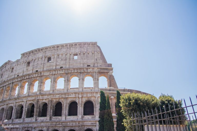 2-blyskitka-colliseum-rome-travel-подорожі-рим-min